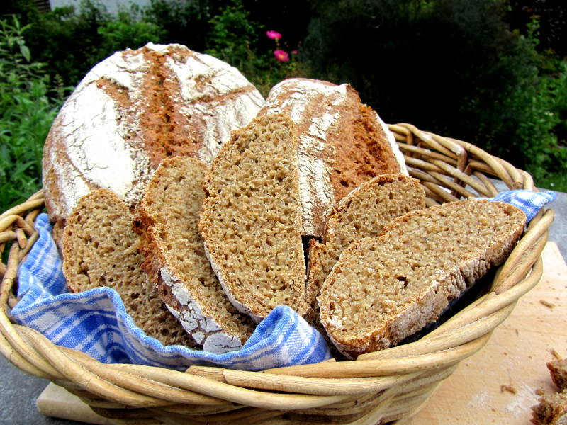 "Für die II. Plötziade: ""Louisa-Brot"" – ein ""Saat-gut-Brot""…"
